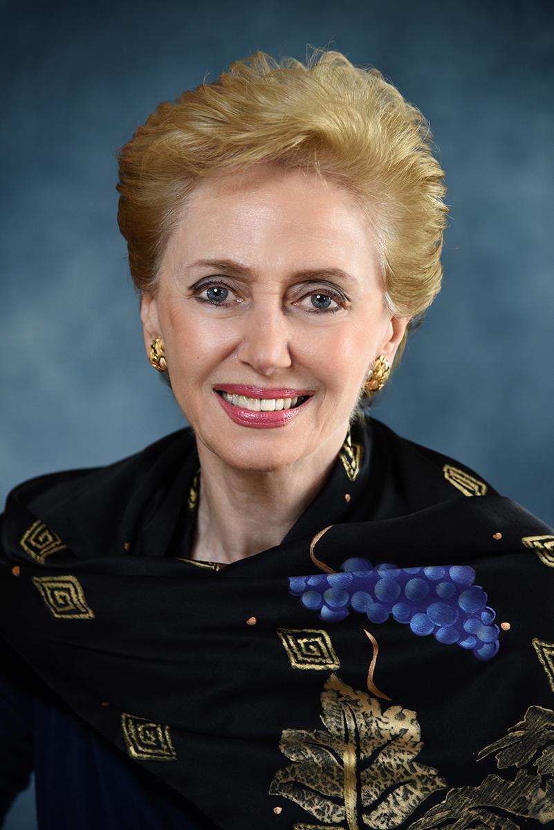 Dr. Georgette Bennett